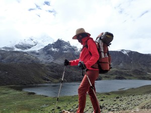 Neon Hiking in the Huayhuash Range - 30 km of High Snowy Mountains, with 7 Over 6,000m, in the Peruvian Andes